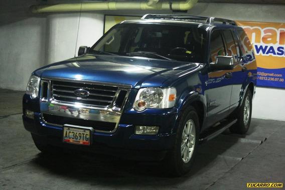 Ford Explorer V8