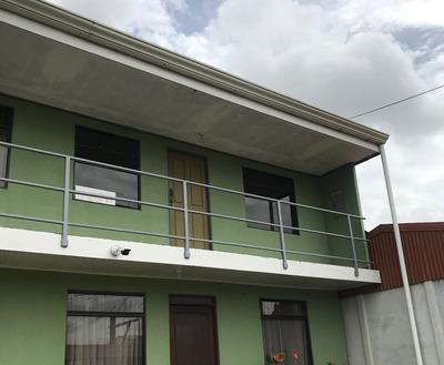 Apartamento 2 Cuartos Con Patio En El Guarco, Cartago
