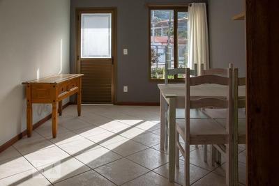 Casa Com 2 Dormitórios E 2 Garagens - Id: 892927652 - 227652