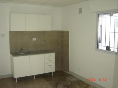 Alquiler Entre Rios 5731 Pasillo 2 Dormitorios 8000 Garantias Laborales (a 50 Mt De Arijon 1300)