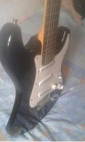 Guitarra Stratocaster Giannini+ Pedal Overdrive +gaita