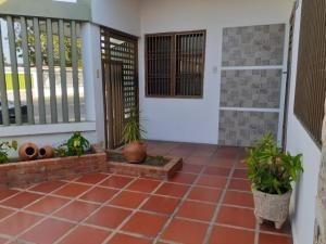 Casa En Venta Las Lomas 20-3602 Sum Hernandez 04141657555