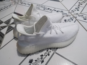 Tênis Yeezy Cream White V2