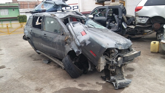 Mitsubishi Outlander 2004.......accidentada.......yonkes
