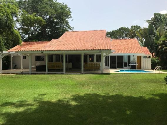 Villa En Casa De Campo, La Romana, Remodelada
