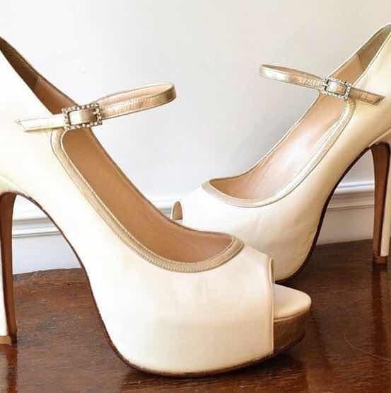 Zapatos De Attar De Novia. Crudo Con Dorado Mate. Talle 35.5