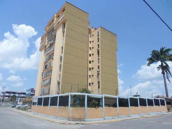 Apartamento En Venta Cabudare Centro 20-18820 As