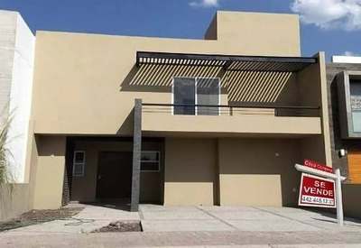 La Condesa Juriquilla, C263m2, 3 Recámaras, Cto Serv, Jardín