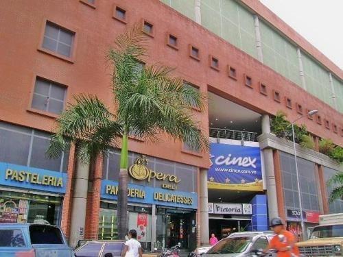 Mn Local Comercial En Alquiler Las Acacias Mls #20-330