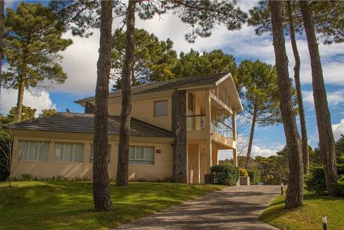 Hermosa Casa Frente Al Golf
