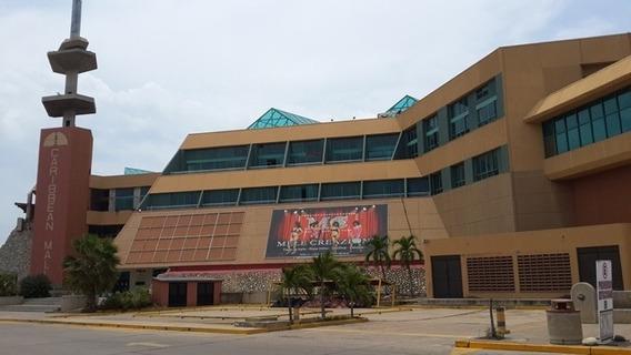 Se Alquila Local En C.c. Caribbean Mall