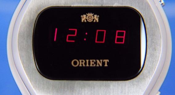 Relógio Orient Led