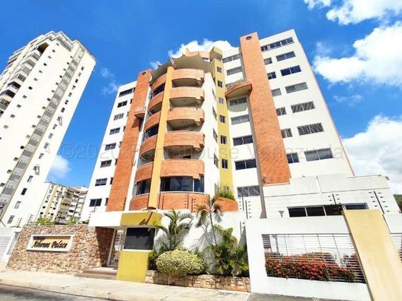 Apartamento En Venta Urb Andres Bello Cod. 20-24585