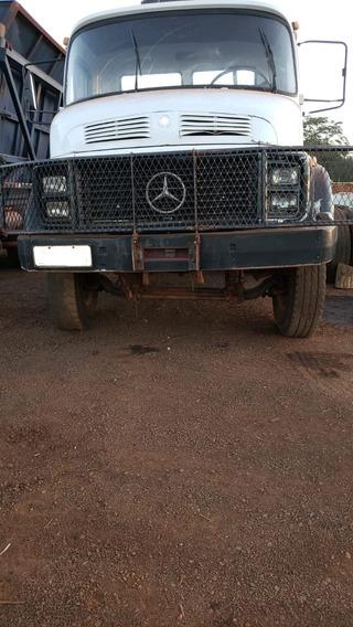 Caminhão Mercedes-benz 2220