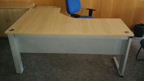 Mesa Para Escritório Em L Na Cor Marfim Com Gaveteiro
