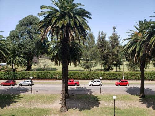 Imagen 1 de 22 de Frente Al Club De Golf, 180m2, 3 Dormitorios, 4 Baños, Servicio Completo, Garaje X2
