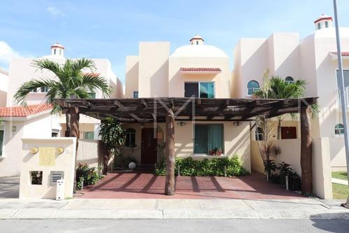 Casa En Venta En Cancun La Piedra 2