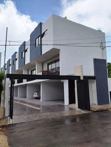 Townhouse En Renta Montebello 7