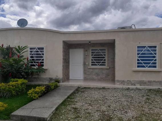 Bella Casa En Venta En Araure Acarigua #20-6405