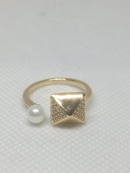 Anillo Perla Y Triangulo Con Zirconia En Chapa De Oro