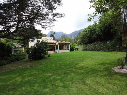 Casa Sola En Tepoztlán Centro / Tepoztlán - Cam-1128-cs