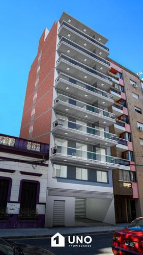 Imagen 1 de 9 de Juan M Rosas Y Montevideo - Amplio Dpto De 1 Dormitorio Externo.