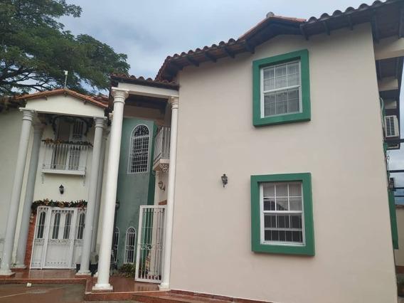 Vende Bello Townhouse (pozo) Naguanagua Cod.421580 Surmira