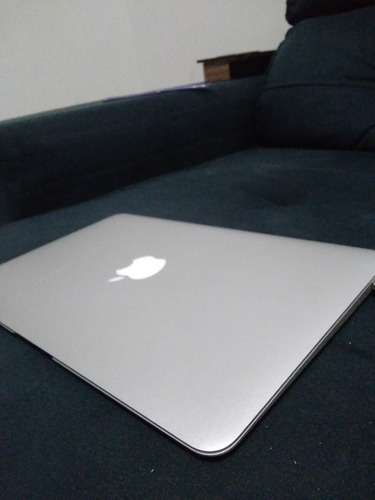 Imagem 1 de 5 de Vendo Macbook