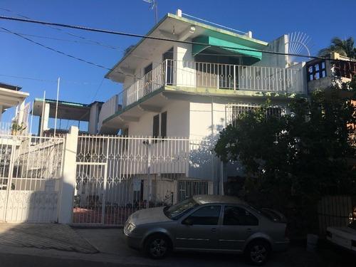Casa Sola En Venta En Calle Alto Monte