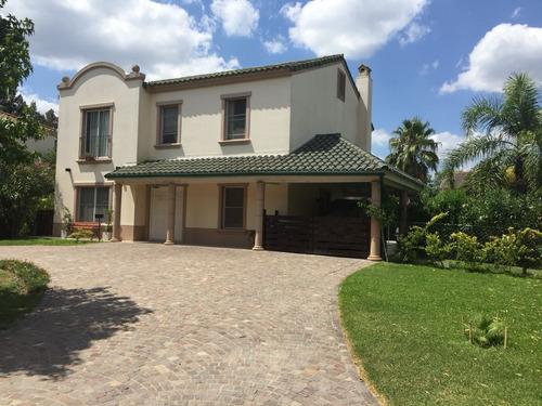 Casa En Venta Barrio Las Praderas .pilar