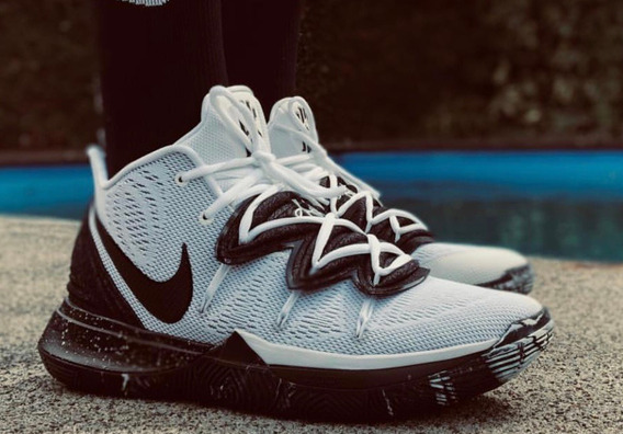Tenis Nike Jordan/ Kyrie V