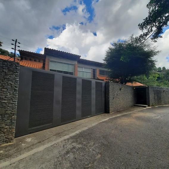Casa Vip En Venta En Los Campitos 5h / 10b / 8p