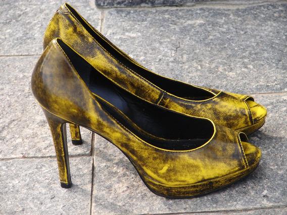Peep Toe Amarelo Com Preto Arezzo