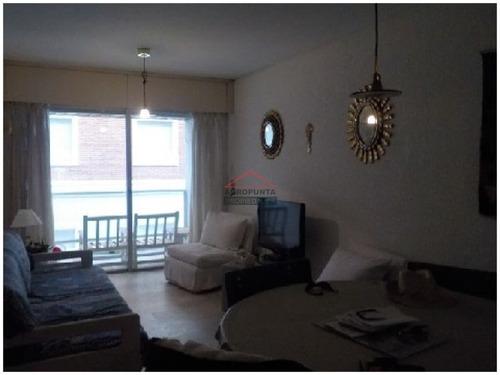 Apartamento En Península 2 Dormitorios- Ref: 5245