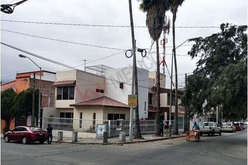 Casa En Venta En Esquina Sobre La 5a Poniente Y 6a Norte, Barrio Colón