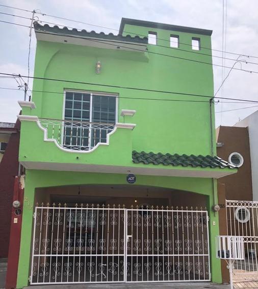 Casa 3 Recamaras 1 Estudiio 3 Baños Completos 1 Medio Baño