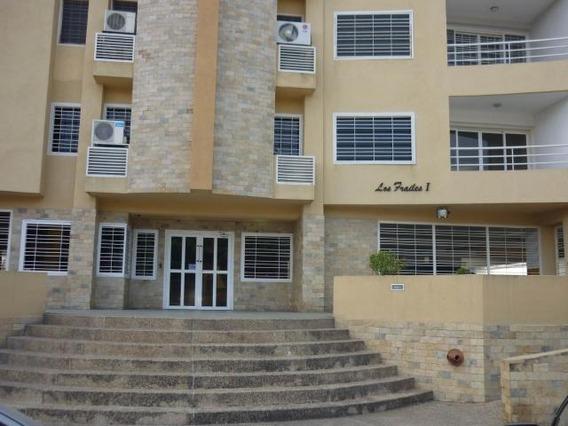 Apartamento En Venta Urb.los Chaguaramos-maracay 20-4183 Hcc