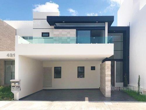 Casa - Fraccionamiento Real Del Valle
