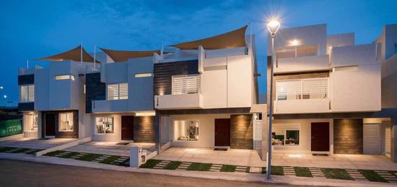 Zibata Exclusiva Casa A Un Lado Del Town Center En Queretaro
