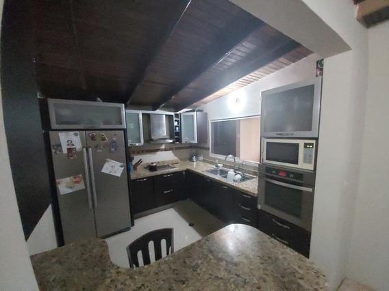 Casa En Venta Las Villas Yara Yara