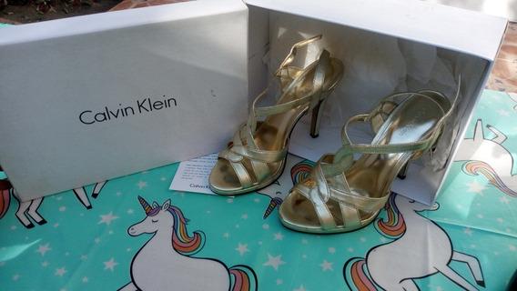 Zapatos De Tacon Dorados Calvin Klein