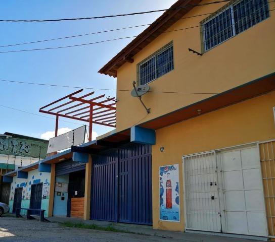 Local Y Apartamento En Venta 21-6272 Rentahouse Carlina Montes