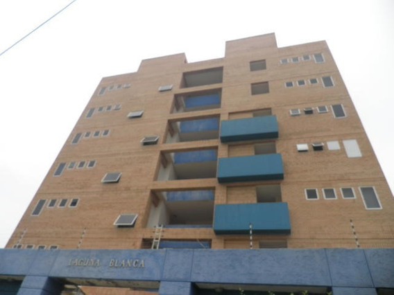 Apartamento En Venta En Tucacas 20-8037 Ys 0424-3621912
