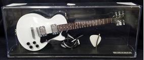 Miniatura Guitarra Musica Topo Bolo Presente