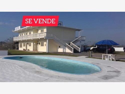 Edificio En Venta Hotel En Chachalacas, Veracruz, Excelente Ubicación