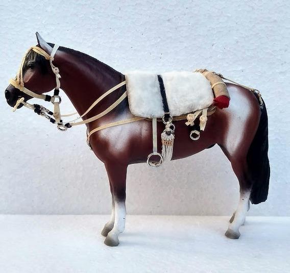 Miniatura Cavalo Quarto De Milha Resina Encilhado