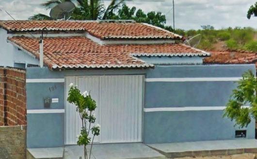 Casa Em Angicos Com 3 Quartos, Sendo 1 Suíte Com Banheira