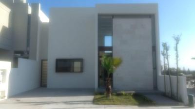 Venta Casa De Un Piso Hermosa Acabados De Primer Nivel En Lomas De Juriquilla