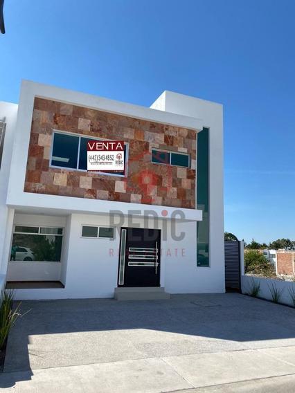 Casa Nueva Con Estudio Y Cuarto De Servicio En Lomas De Juriquilla