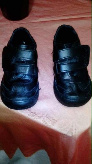 Zapato Colegial - Negro Para Bebe. Kickers